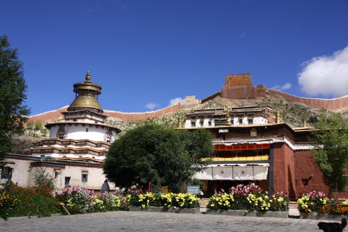 Gyeltse Pelkhor Monastery and famous Kumbum stupa