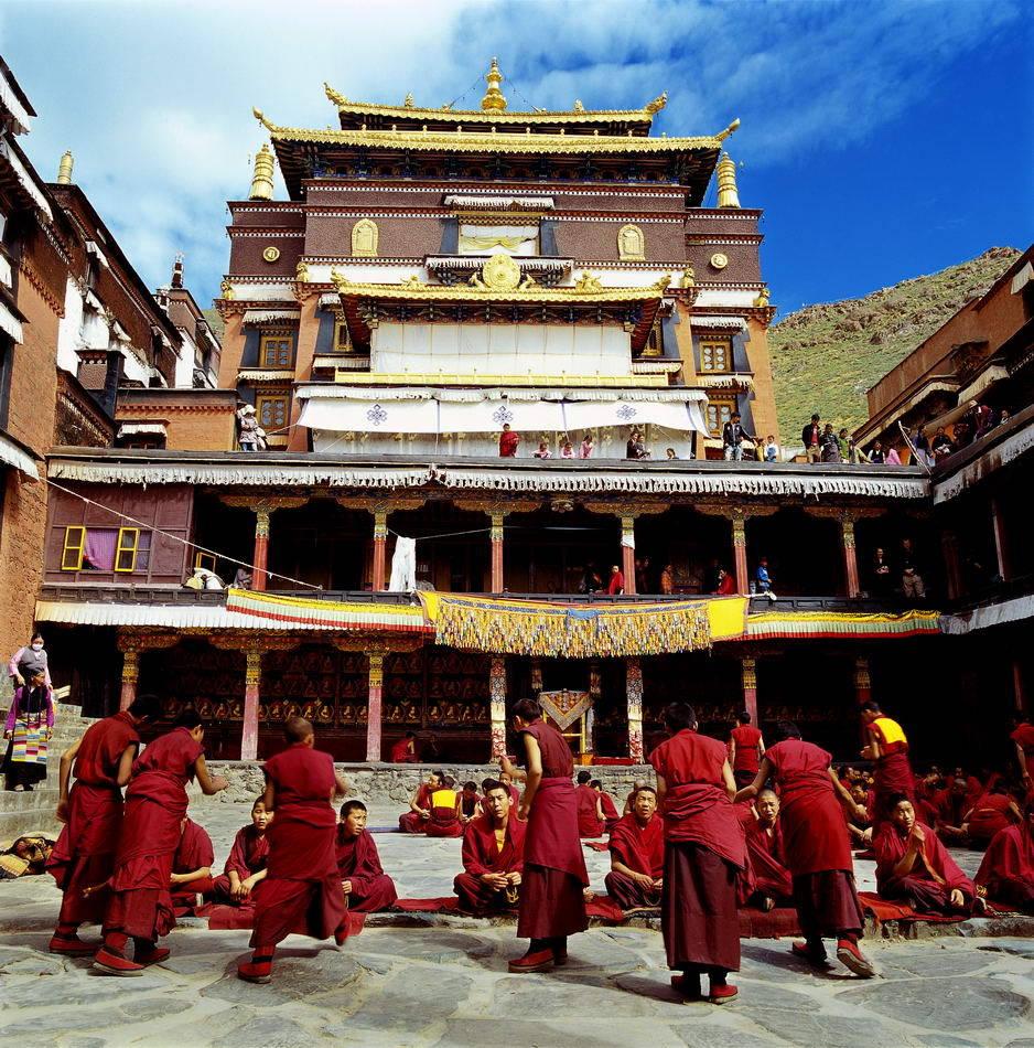 Tibetan monks debate at Tashi Lhunpo Monastery